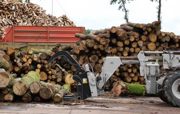 grappin forestier RIMAN pour grumes sur télescopique